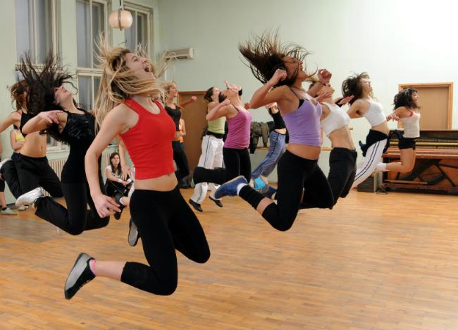 ¡Ejercítate bailando! El baile la mejor opción para hacer ejercicios