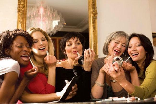 Riesgos y enfermedades al compartir nuestro maquillaje