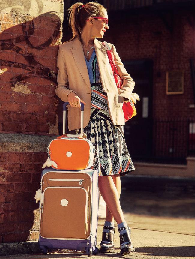 ae7c03554 El modelo Alenya es un bolso elegante y chic, muy ligero y fácil de llevar,  además cuenta con un bolsillo y paneles interiores para organizar todas tus  ...